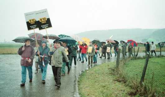 Erste Aktion: Protestwanderung filstalabwärts.